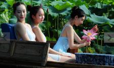 중국 항저우 미녀 무용수의 자태